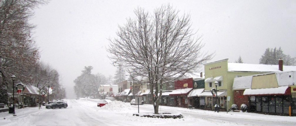 Downtown Highlands on Christmas Day 2010