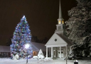 Highlands Methodist Church hosts the official town Christmas tree